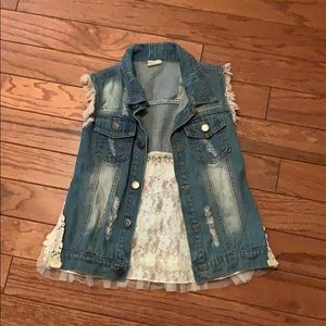 Jean vest with lace back